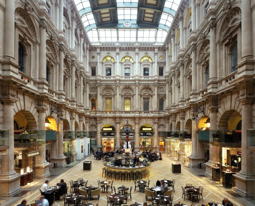 Interior of the Royal Exchange today following refurbishment in 2001 ©Kilian O'Sullivan/VIEW